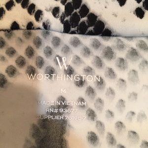 Worthington Tops - 🌵BOGO🌵 Worthington sleeveless Snake print blouse